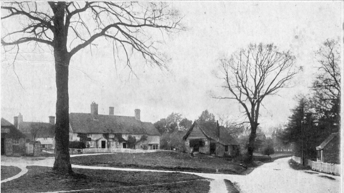 Durrants (centre), dated 1475-1500, one of Chailey's oldest houses. Postcard franked 27th February 1906 (Chailey Windmill collection).
